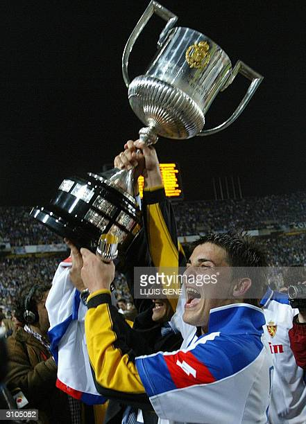 Zaragoza's David Villa celebrates after wining the King Cup final football match against Real Madrid in Olympic Stadium in Barcelona 17 March...