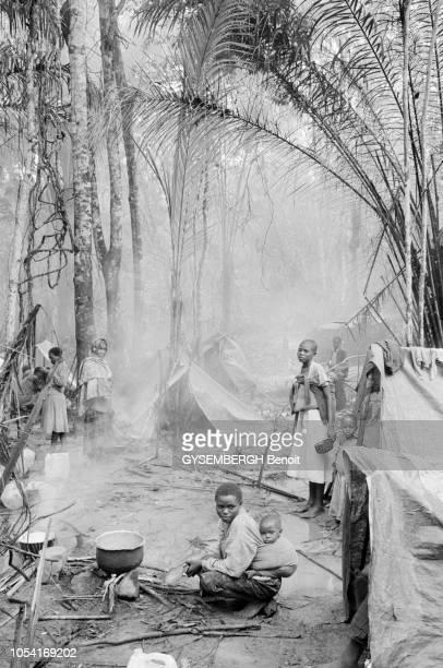 la guerre civile qui déchire le pays menace des centaines de milliers de réfugiés hutus rwandais chassés des camps par les combats opposant les...