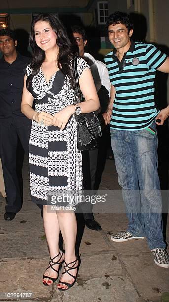 Zarine Khan at Aamir Khan's Bash for musician Gustavo Santaolalla on June 19 2010