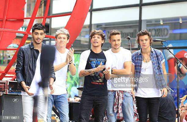 Zayn Malik Nial Horan Louis Tomlinson Liam Payne and Harry Styles of One Direction perform on NBC's Today at Rockefeller Center on August 23 2013 in...