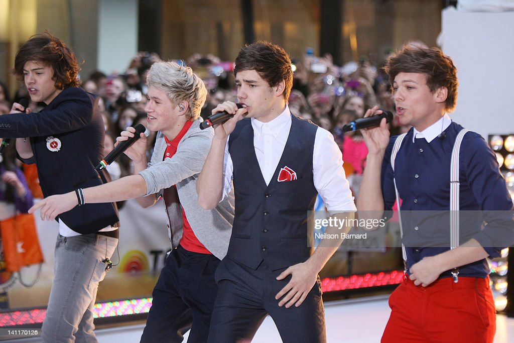 One Direction Performs On NBC's 'Today' : News Photo