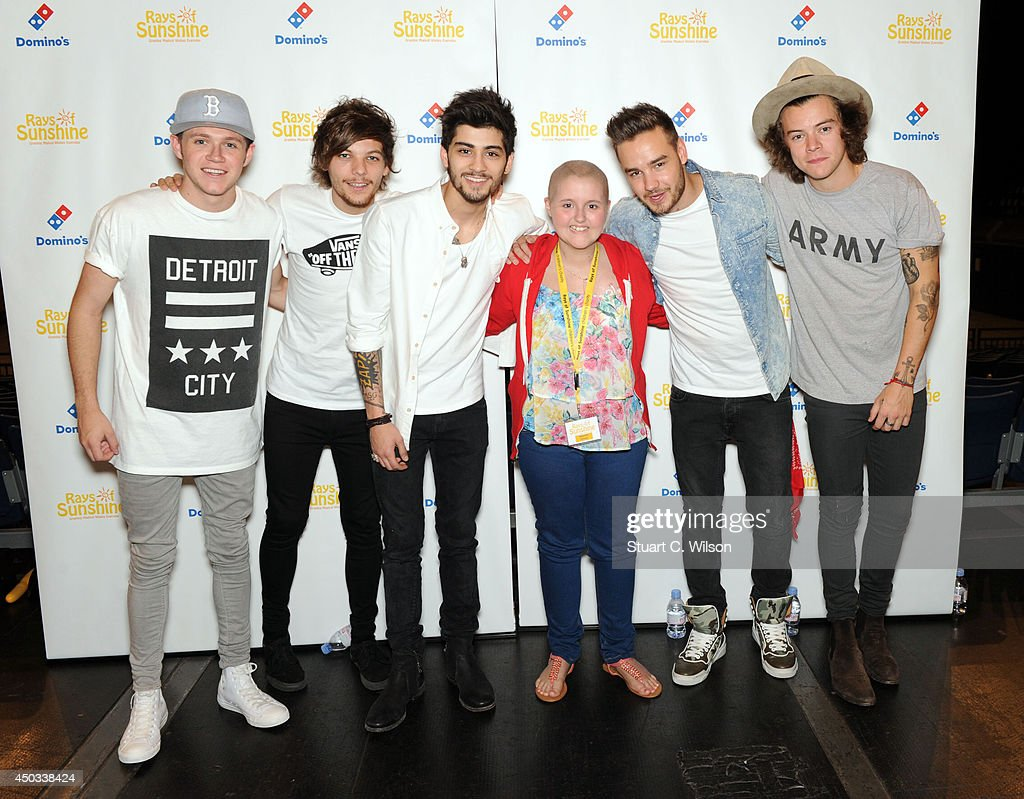 One direction bring sunshine to wembley photos and images getty images zayn malik niall horan louis tomlinson liam payne and harry styles of one kristyandbryce Images