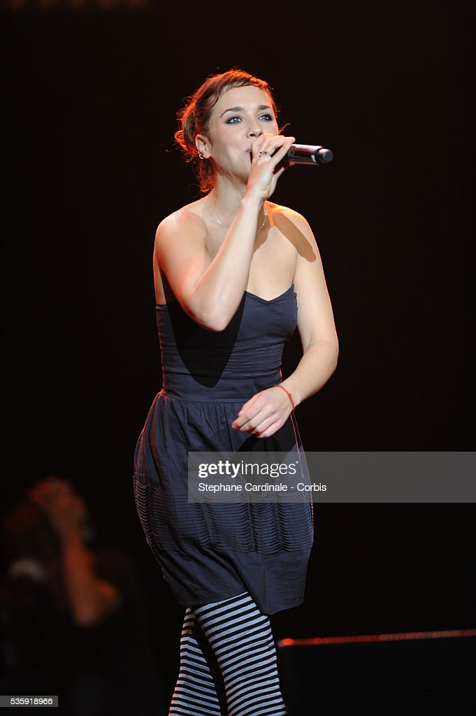 Zaz performs live during the celebration of Prix Constantin 2010 at L'Olympia, in Paris