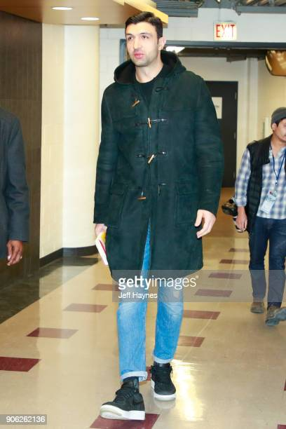 Zaza Pachulia of the Golden State Warriors arrives before game against the Chicago Bulls on January 17 2018 at the United Center in Chicago Illinois...
