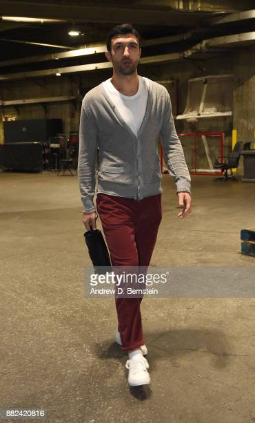 Zaza Pachulia of the Golden State Warriors arrives before the game against the Los Angeles Lakers on November 29 2017 at STAPLES Center in Los...