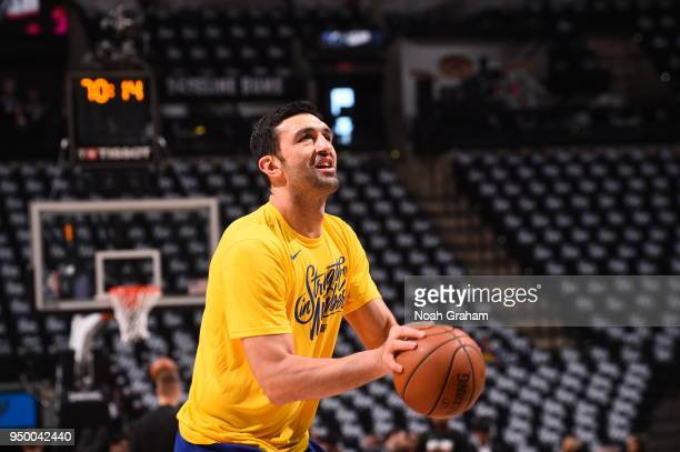 Zaza Pachulia of the Golden State Warriors handles the ball before the game against the San Antonio Spurs in Game Four of Round One of the 2018 NBA...