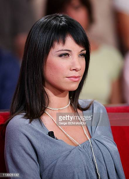 Zazie On 'Vivement Dimanche' Tv Show In Paris France On September 19 2007 AnneGaelle Riccio