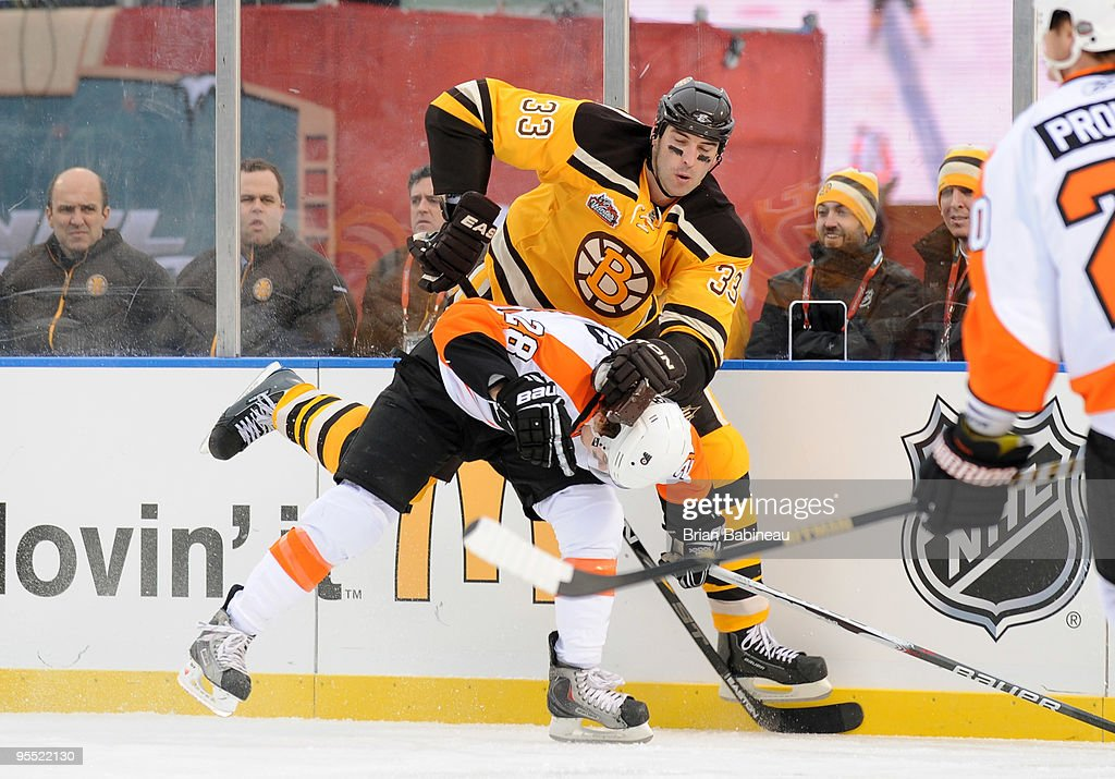 Bridgestone Winter Classic - Philadelphia Flyers v Boston Bruins