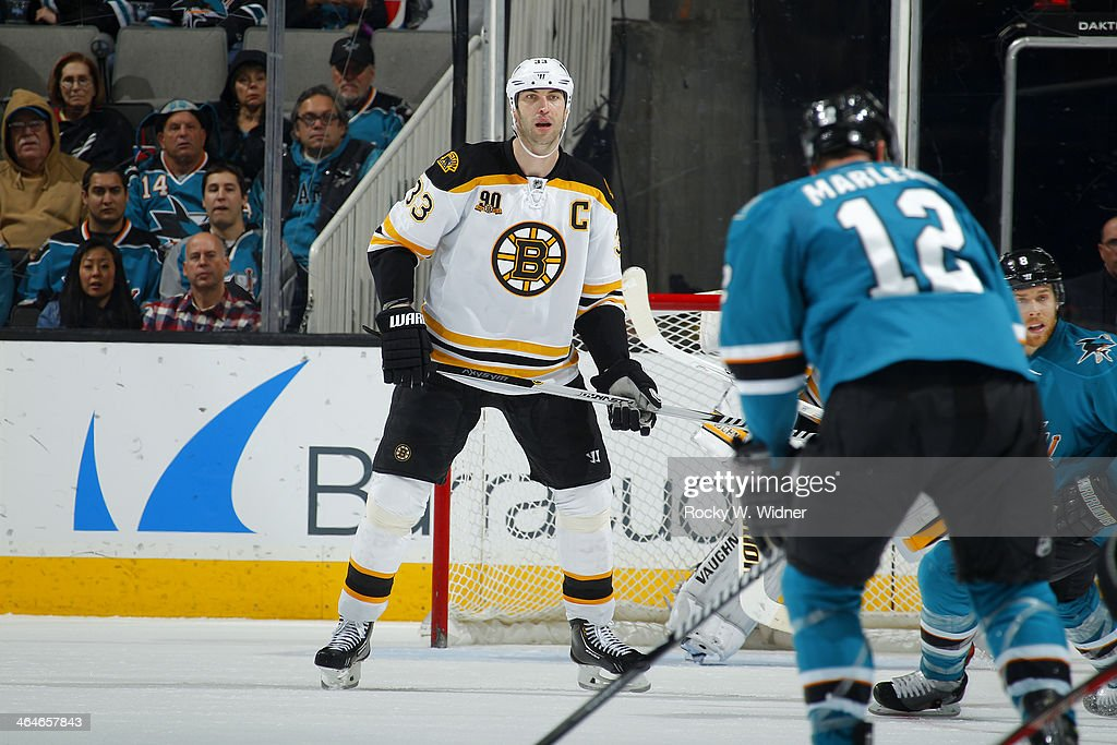 Boston Bruins v San Jose Sharks : Fotografía de noticias