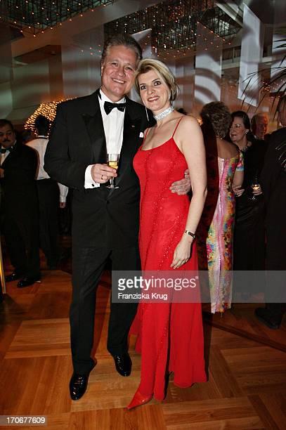 Zdf Historiker Dr Guido Knopp Und Ehefrau Gabriella Beim Deutschen Opernball In Der Alten Oper In Frankfurt Am 250206