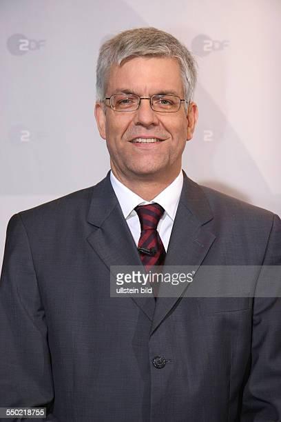 ZDFProgrammdirektor Thomas Bellut während einer Pressekonferenz in Hamburg