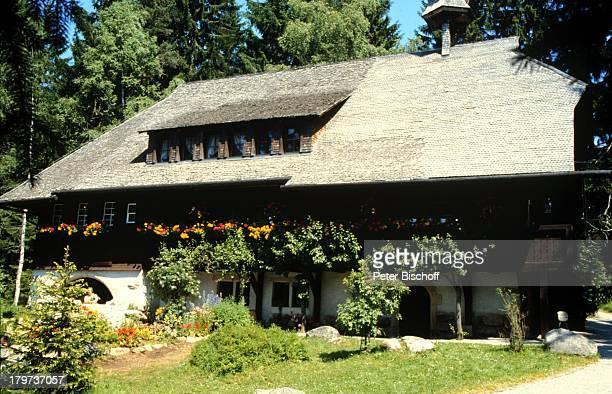 """Serie """"Schwarzwaldklinik"""", Haus,;Garten,"""