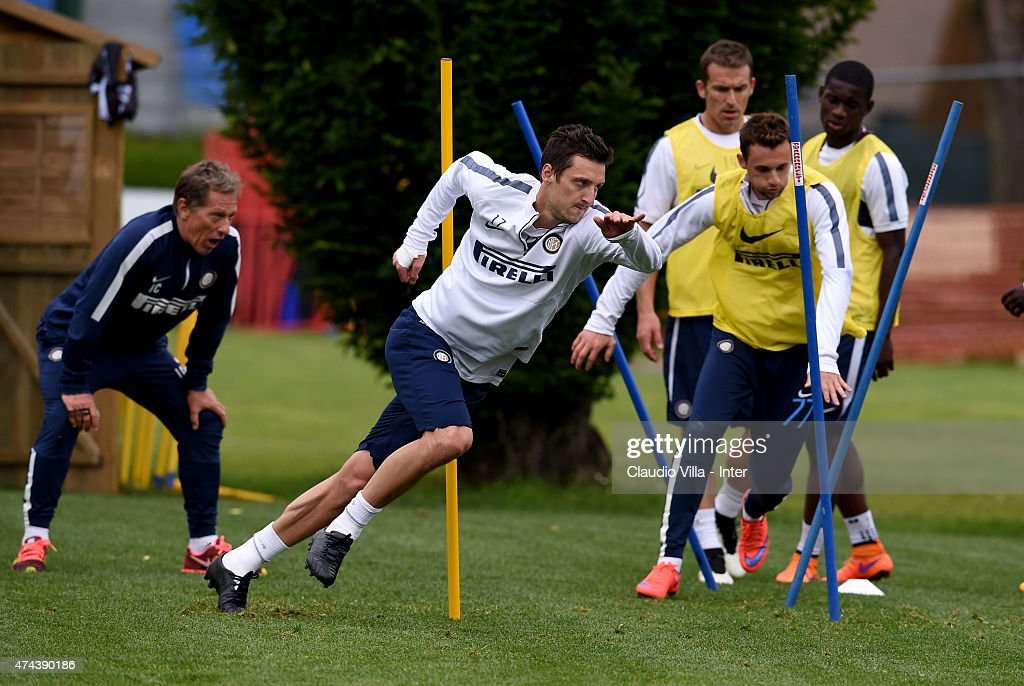 Zdravko Kuzmanovic (C) in action during FC Internazionale training session at the club's training ground at Appiano Gentile on May 22, 2015 in Como, Italy.