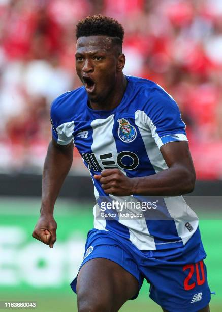 Ze Luis of FC Porto celebrates scoring FC Porto goal during the Liga Nos round 3 match between SL Benfica and FC Porto at Estadio da Luz on August 24...