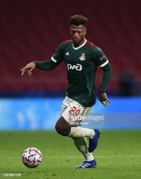 Ze Luis of Lokomotiv Moskva runs with the ball during the UEFA Champions League Group A stage match between Atletico Madrid and Lokomotiv Moskva at...