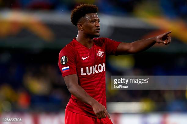 Ze Luis of Spartak Moskva gives instructions during the Group G match of the UEFA Europa League between Villarreal CF and Spartak Moskva at La...