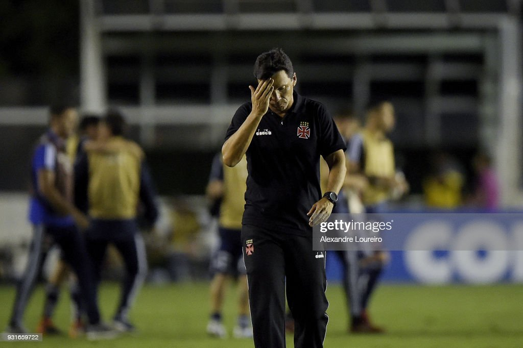 Ze Ricardo, head coach of Vasco da Gama reacts after a Group Stage match between Vasco and Universidad de Chile as part of Copa CONMEBOL Libertadores 2018 at Sao Januario Stadium on March 13, 2018 in Rio de Janeiro, Brazil.