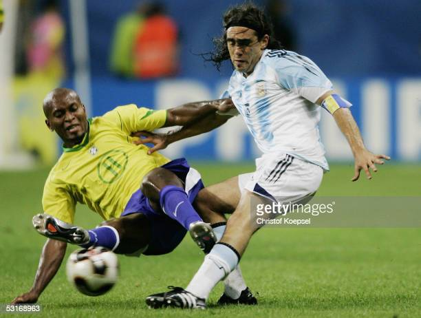 Ze Roberto of Brazil challenges Juan Sorin of Argentina during the FIFA 2005 Confederations Cup Final between Brazil and Argentina at the Waldstadion...
