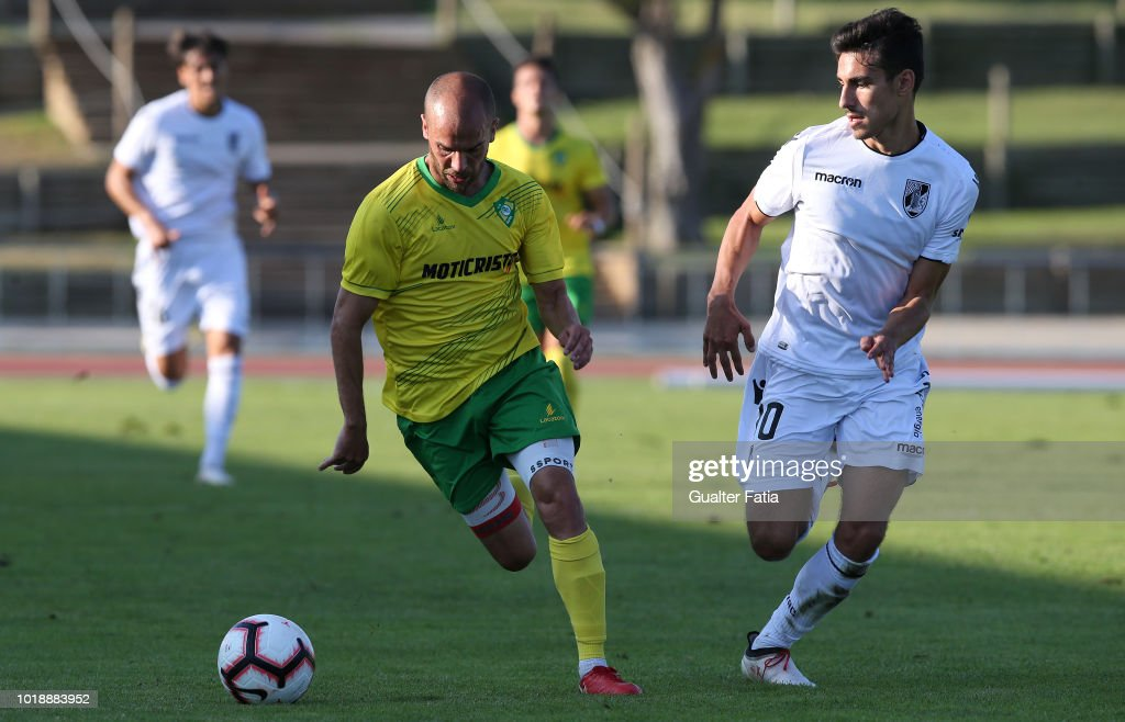 Ze Tiago of CD Mafra competes for the ball with Andre Almeida of Vitoria SC B during the Portuguese Ledman Liga Pro match between CD Mafra and Vitoria SC B at Estadio do Parque Desportivo Municipal de Mafra on August 18, 2018 in Mafra, Portugal.