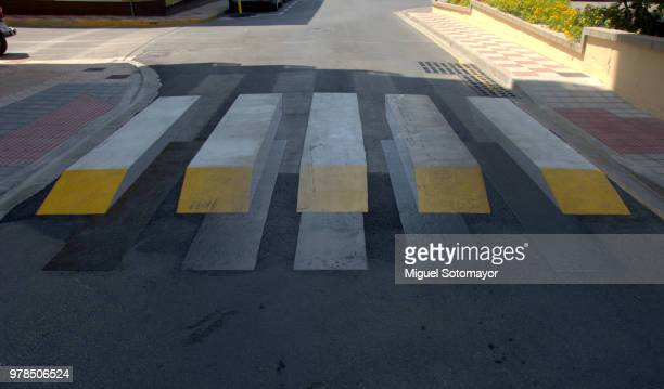 3d zebra crossing - stereoscopic images stock photos and pictures