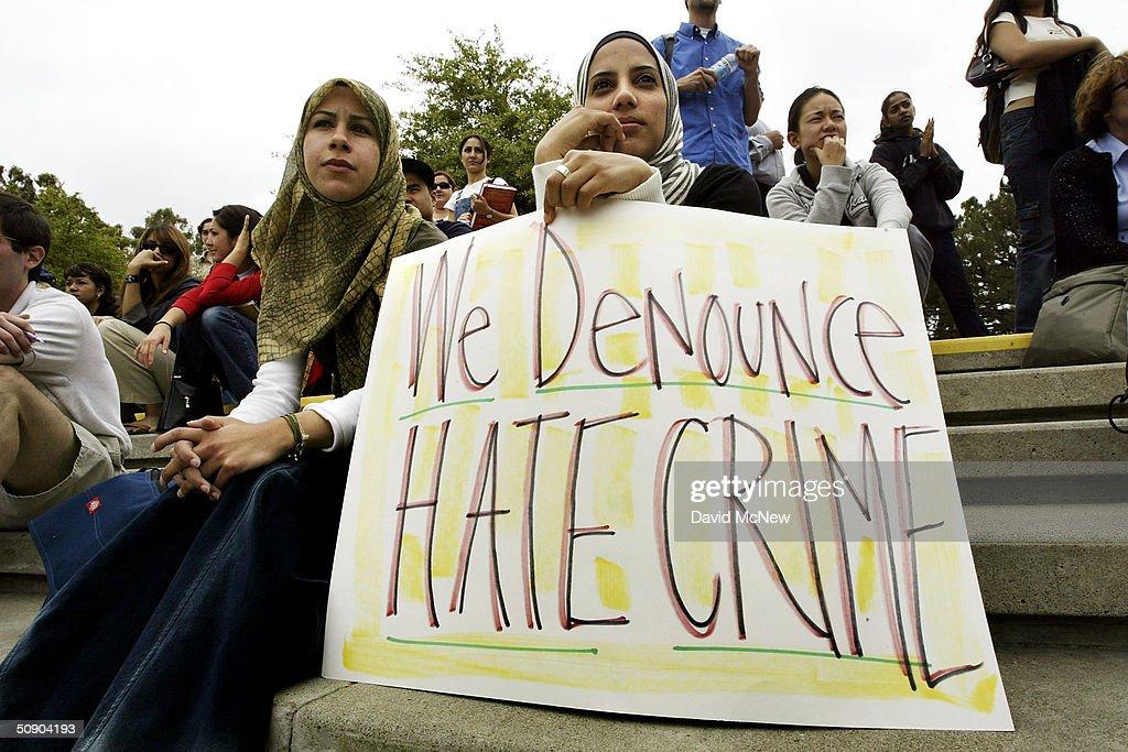 Arab Students Rally At UC Irvine : News Photo