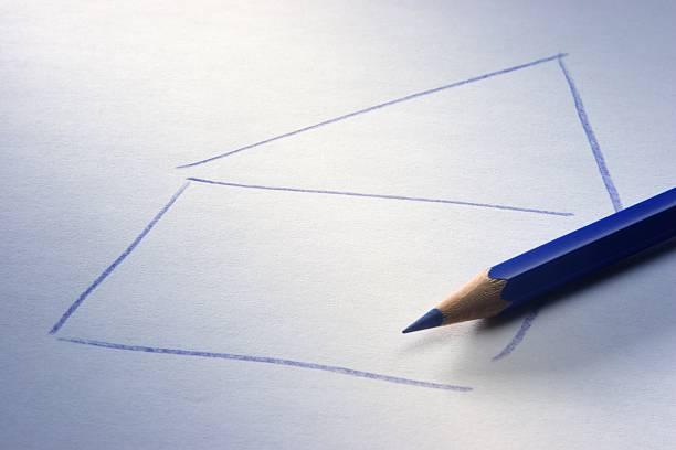 Zeichnung Haus und blauer Farbstift Pictures   Getty Images