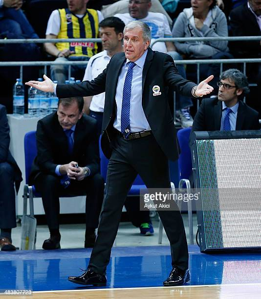 Zeljko Obradovic Head Coach of Fenerbahce Ulker Istanbul in action during the 20132014 Turkish Airlines Euroleague Top 16 Date 14 game between...