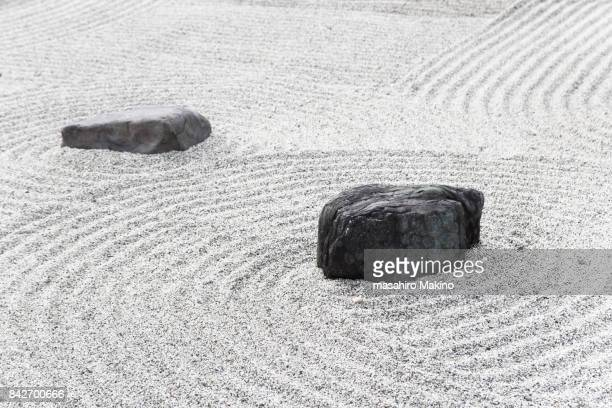 zen garden - japanese culture stock pictures, royalty-free photos & images