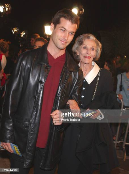 """Zen Gesner and his mother, actress Nan Martin arrive at the premiere screening of """"Shallow Hal."""""""