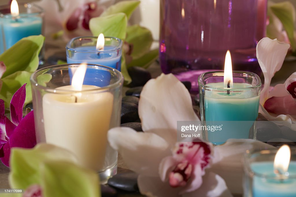 Zen spa candles in calm tranquil settings : Stock Photo