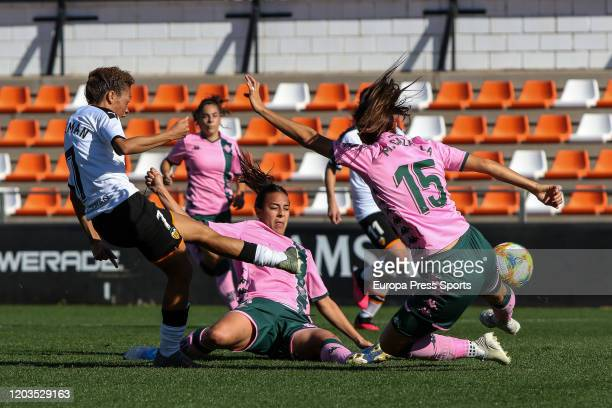 Zenatha Coleman of Valencia CF in action during the Spanish League Primera Iberdrola women football match played between Valencia CF Femenino and...