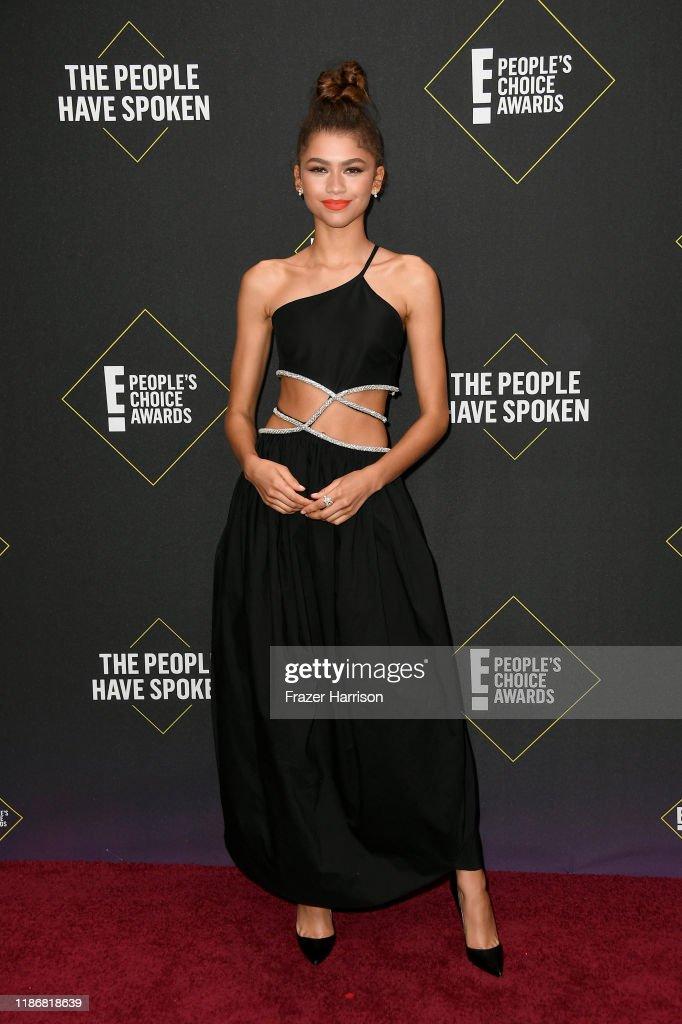 2019 E! People's Choice Awards - Arrivals : News Photo