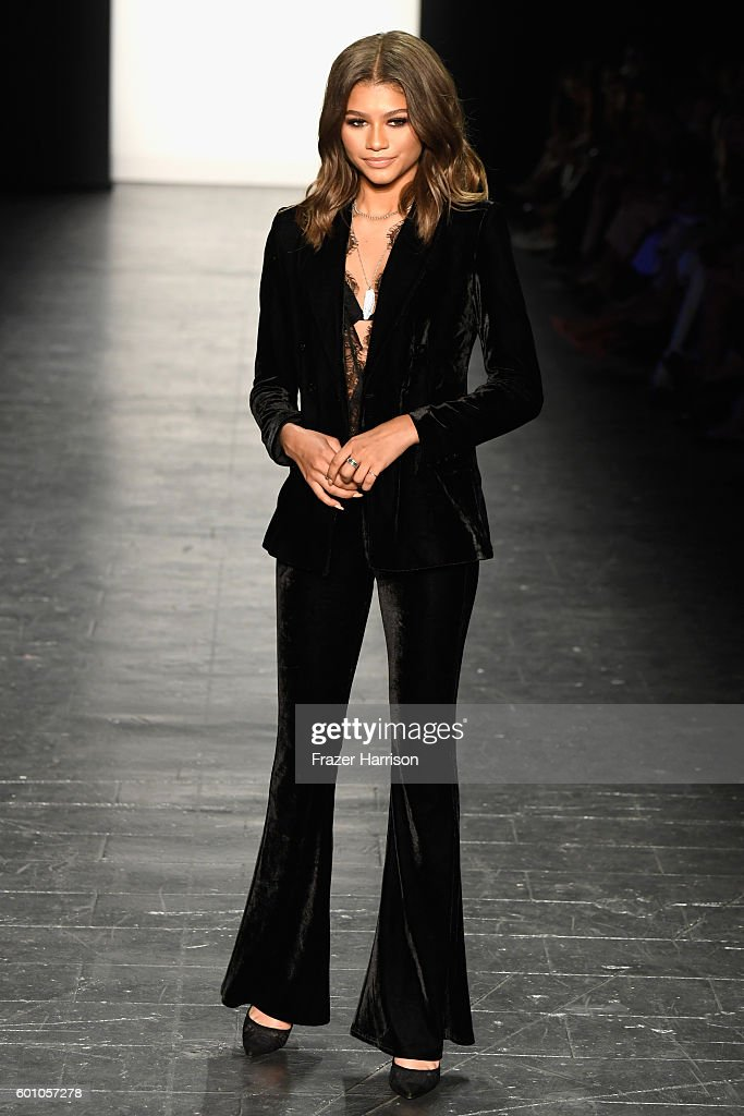 Project Runway - Runway - September 2016 - New York Fashion Week: The Shows : News Photo
