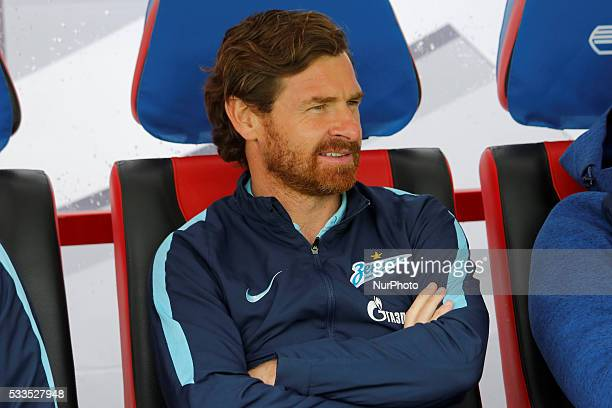 Zenit St. Petersburg head coach Andre Villas-Boas looks on during the Russian Football Premier League match between FC Dynamo Moscow and FC Zenit St....