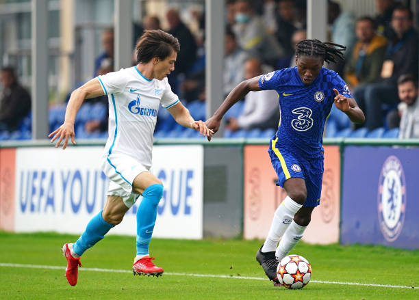 Zenit St. Petersburg's Andrey Maryanov and Chelsea's Silko-Amari Thomas battle for the ball during the UEFA Youth League, group H match at Cobham...
