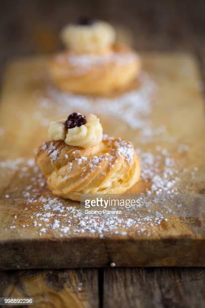 zeppole pastry - zeppole foto e immagini stock