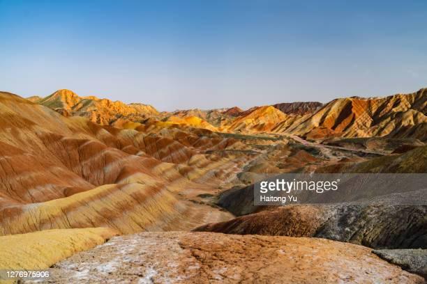 "zhangye national ""colorful danxia"" geopark - ジオパーク ストックフォトと画像"