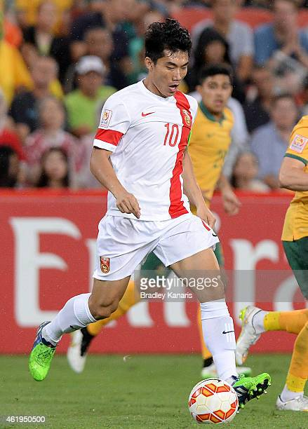 Zheng Zhi of China in action during the 2015 Asian Cup match between China PR and the Australian Socceroos at Suncorp Stadium on January 22 2015 in...