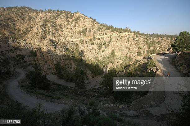 ziarat curve road - ziarat stock pictures, royalty-free photos & images