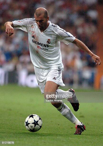 Zidane during the UEFA Champions League Qualifying match between Real Madrid and Wisla Krakow at The Bernabeu on August 25 2004 in Madrid Spain