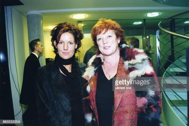 Ziegler Regina * Filmproduzentin Schauspielerin D mit Tochter Tanja Dezember 2000