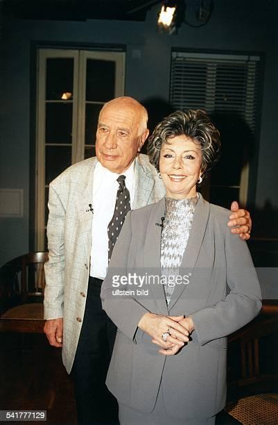 Ziemann Sonja *Schauspielerin Taenzerin Saengerin D mit Ehemann Charles Regnier September 1998