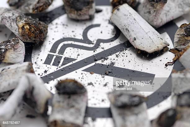 Zigarette Zigaretten Zigarettenkippe Zigarettenkippen ausgedr¸ckte rauchen Rauchverbot Rauchverbote Rauch Verbot Zigarettenqualm Zigarettenrauch...