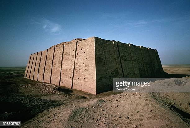 ziggurat at ur - ziggurat stock photos and pictures