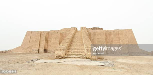 ziggurat of ur - ziggurat foto e immagini stock