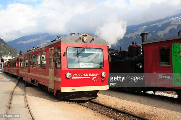 zillertalbahn train at zell am ziller station - pejft stock pictures, royalty-free photos & images