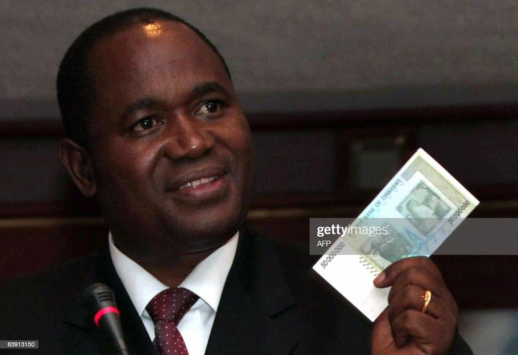 Zimbabwe central bank governor Gideon Go : News Photo