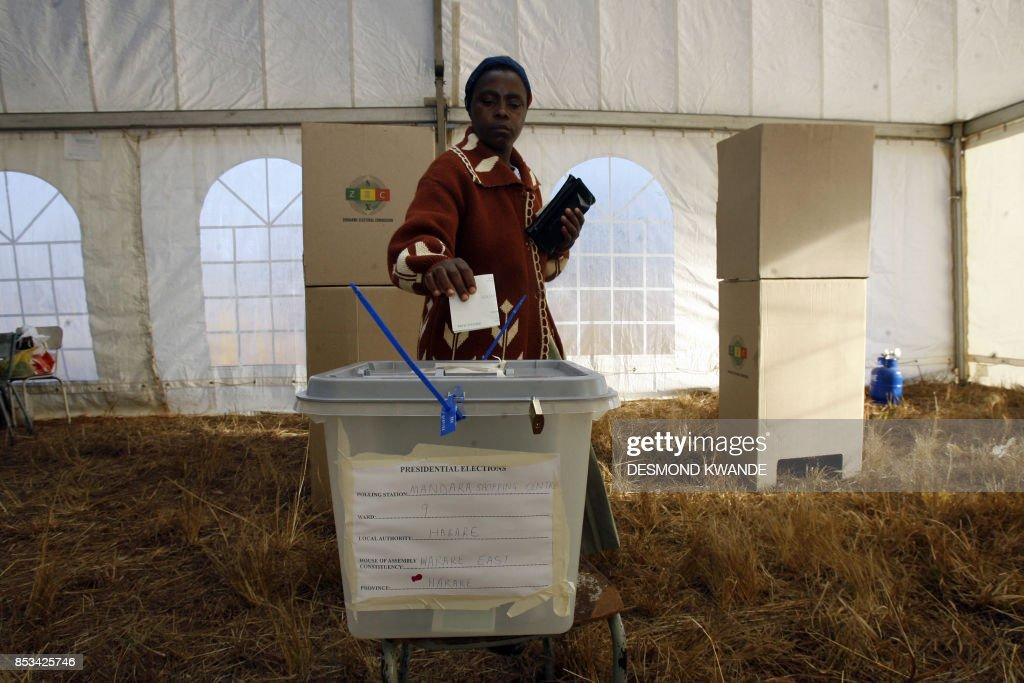 ZIMBABWE-VOTE : News Photo