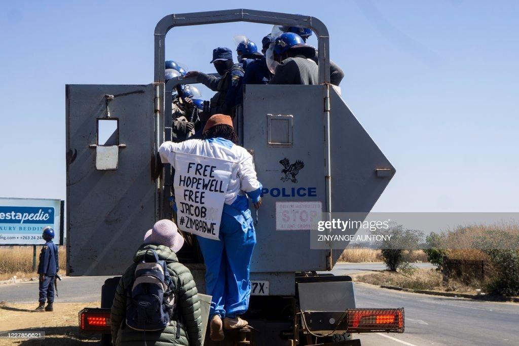 ZIMBABWE-CORRUPTION-POLITICS-DEMO : News Photo