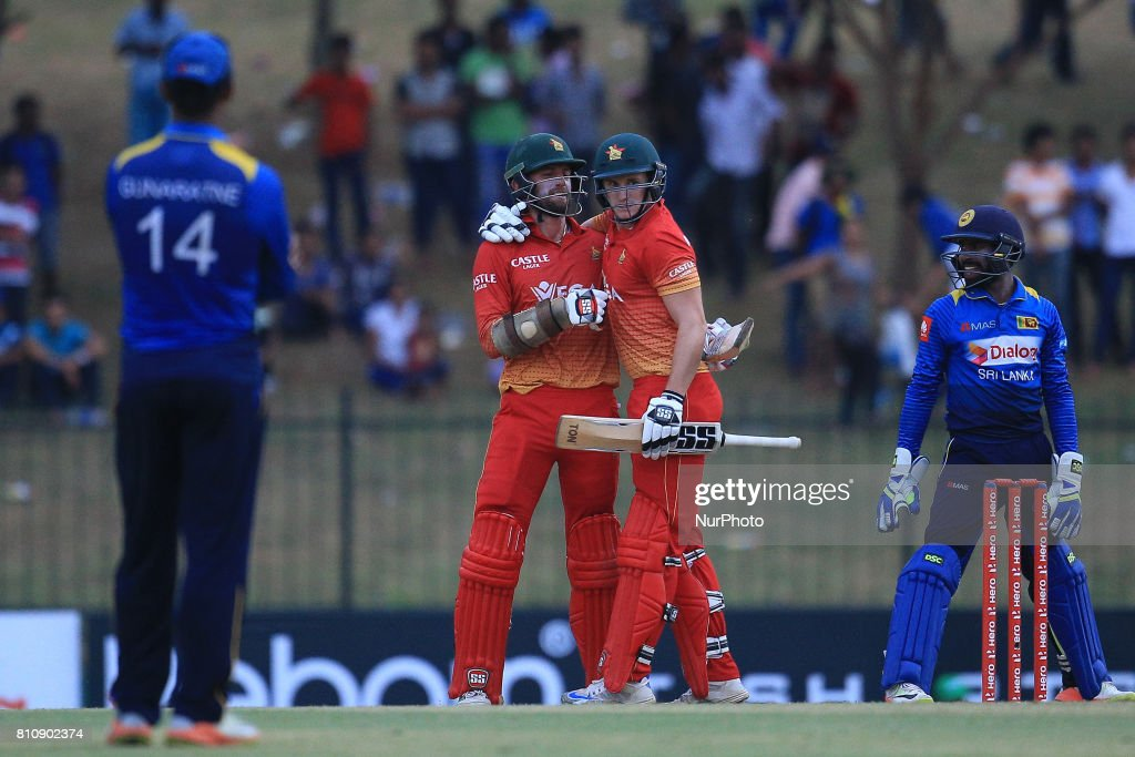 Sri Lanka vs Zimbabwe - 4th ODI at Hambantota : News Photo